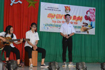 """Đoàn trường THPT Tôn Đức Thắng tổ chức Hội thi văn nghệ """"Bay lên những ước mơ"""" chào mừng kỷ niệm ngày nhà giáo Việt Nam 20/11"""